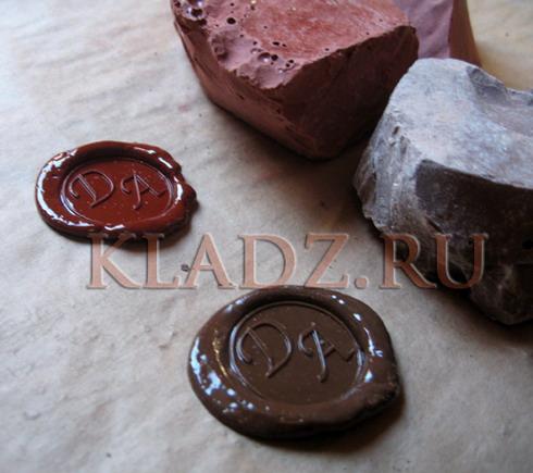 Красный и коричневый сургуч